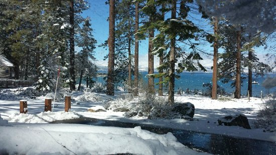 Zephyr Cove Resort: standing on porch looking out to the lake..BEAUTIFUL!!!