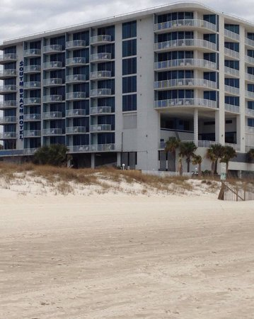 South Beach Biloxi Hotel & Suites: View from beach