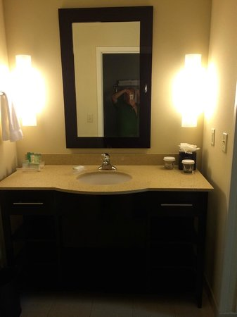 Homewood Suites Dallas/Allen: Vanity