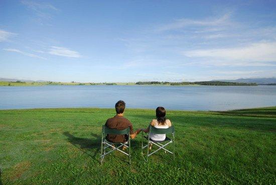 The Edge - Lake Tinaroo: Relax