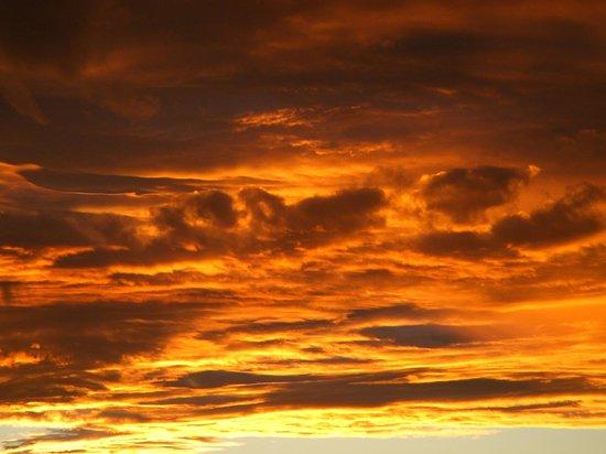 The Edge - Lake Tinaroo: Lake Tinaroo Sunset