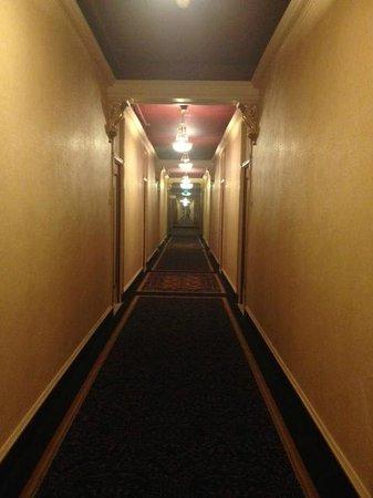 Hotel Whitcomb: The dark hallway