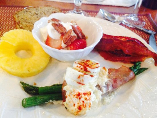 Chateau Chantal Winery and Inn: Gourmet Breakfast