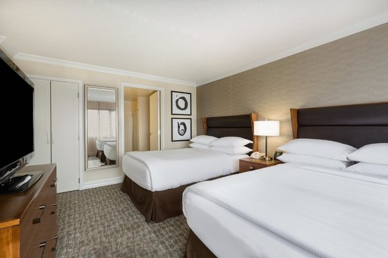 Embassy Suites by Hilton Anaheim - Orange: Two Double Bedroom