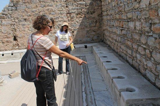 Ephesus Tours : Sanitário público