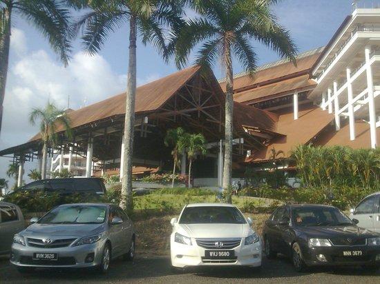 Resorts World Kijal: ..main building awana...