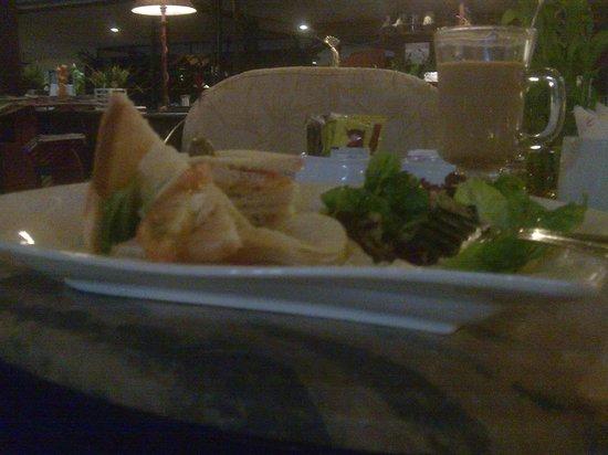 Resorts World Kijal: ..food at the ATRIUM main lobby..