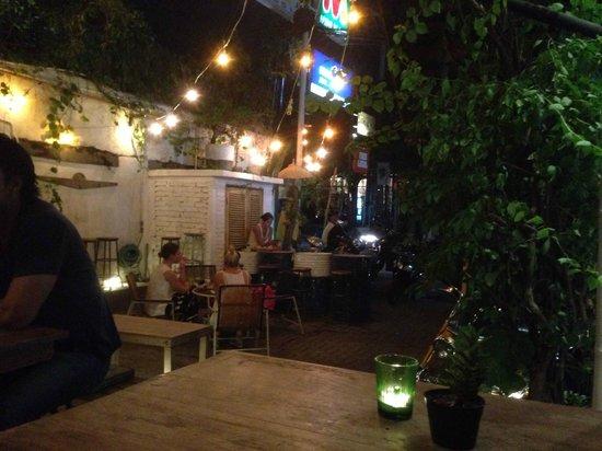 Taco Local : The restaurant setting
