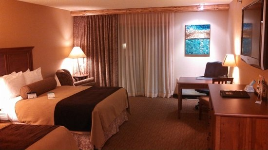 Best Western Premier The Lodge on Lake Detroit: Guest Room - Two Queens