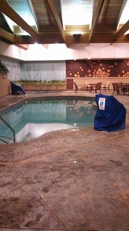 Best Western Premier The Lodge on Lake Detroit: Pool/Hot Tub area