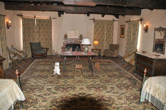 Scotty's Castle: guest room in scottys castle