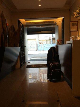 Lastarria Boutique Hotel: entrada hotel