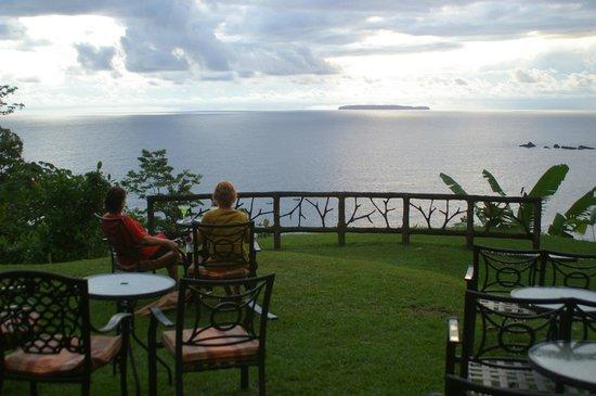 Casa Corcovado Jungle Lodge: Ocean overlook bar