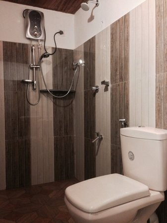 New Bathroom Setup. And Hot Shower  Arugambay Surf Resort Part 73