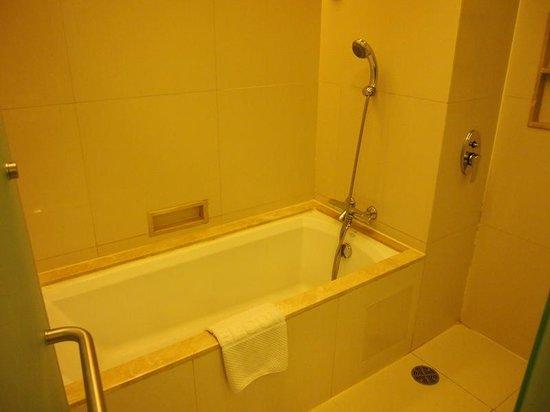 Jasmine Resort Hotel : バスルーム