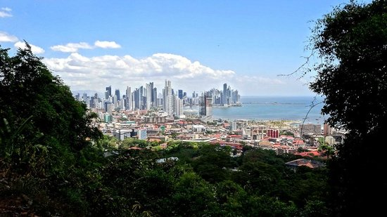 Cerro Ancón: Vista de la ciudad