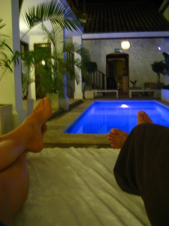 Azul Hotel & Restaurante: Chilling by the pool