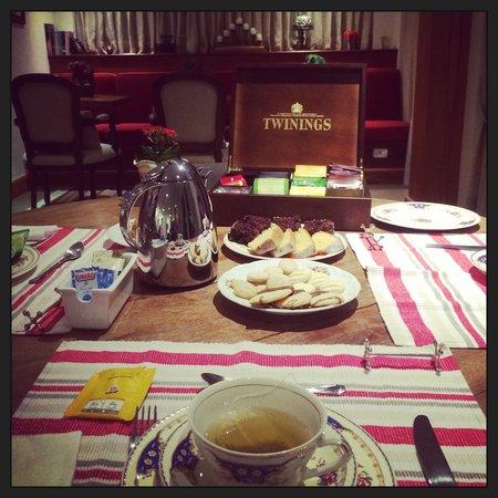 L.A.H. Hostellerie : Chá da tarde...