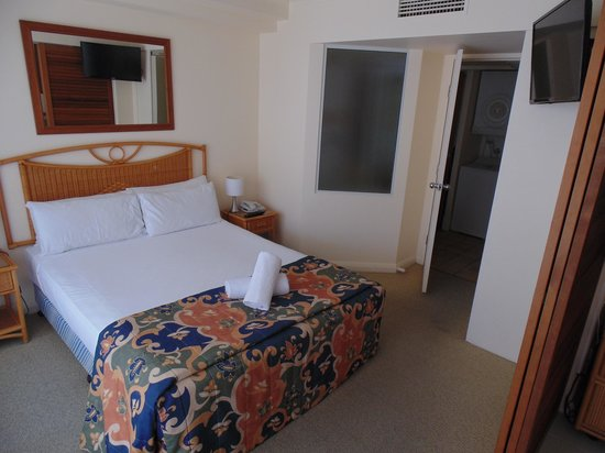 Breakfree Alexandra Beach Premier Resort: Looks great but you can't smell the problem in here