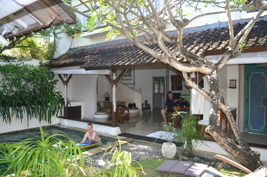 Villa Kresna Boutique Villas : 2 bedroom villa courtyard