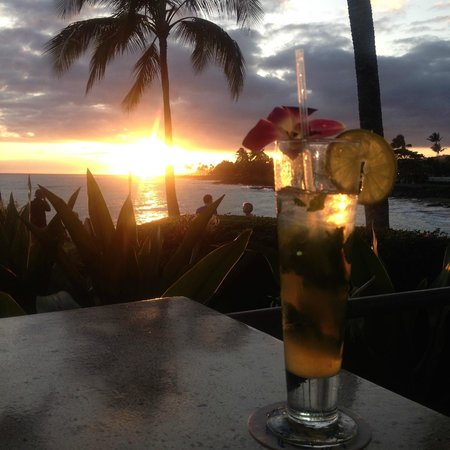 Beach House Restaurant : Gorgeous sunset! The best place to see it in Kauai!