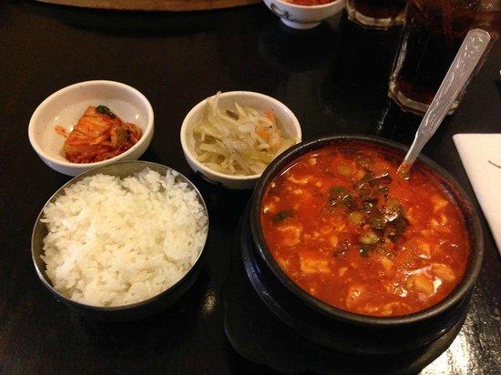 Han Woo Ri: 豆腐チゲ