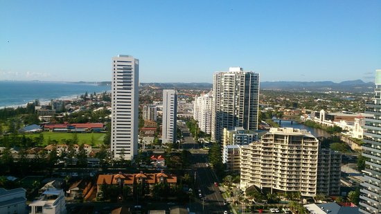 Peppers Broadbeach : Morning view from 24th floor