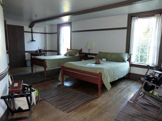 Shaker Village of Pleasant Hill - The Inn: #312
