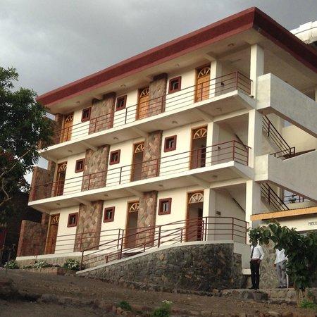 Sora Lodge Lalibela: Sora Lodge's - front of hotel