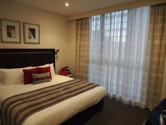 Meriton Serviced Apartments Pitt Street : Bedroom