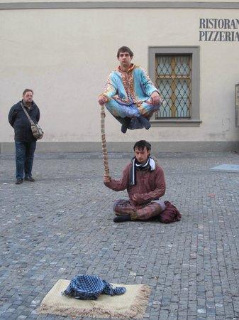 Prague Extravaganza Free Tour : Just sittin' around...