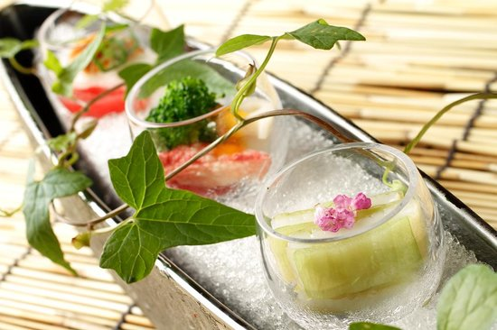 Japanese Cuisine Shimonoseki Shunpanro Tokyo: 夏前菜