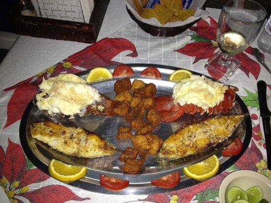 Mariscos la Palmita: Winner! Seafood dinner!