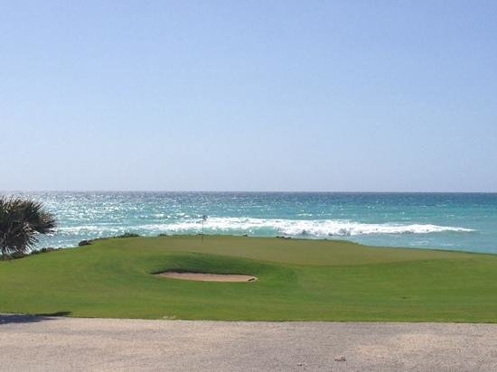 Eden Roc at Cap Cana: water front golf