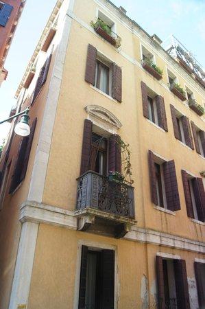 Hotel Becher: petit balcon de la 303