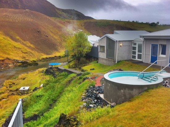 Frost and Fire Hotel: Nice pool and hot spring sauna!