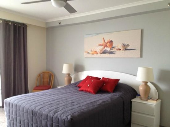 The Meriton on Main Beach: New MasterBedroom and ensuite renovations
