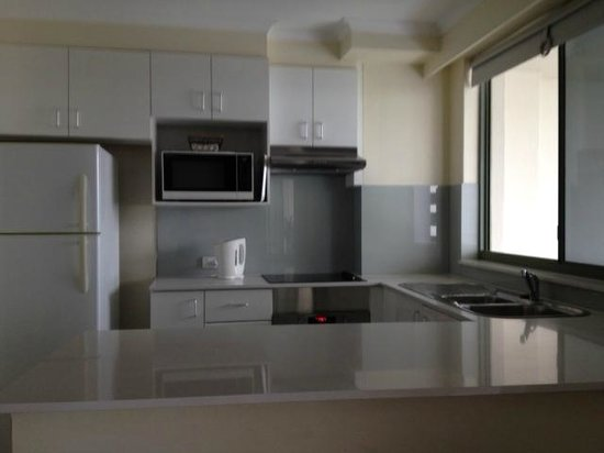 The Meriton on Main Beach: New Kitchen and appliances