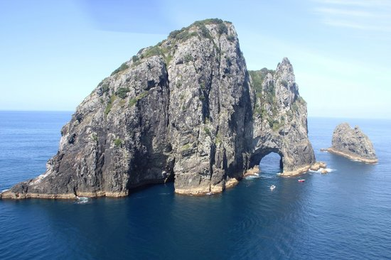 Salt Air Tours: Hole in the rock from Helicopter