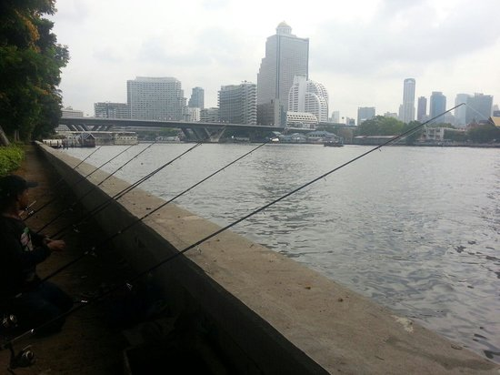 ibis Bangkok Riverside : Blick über den Fluss