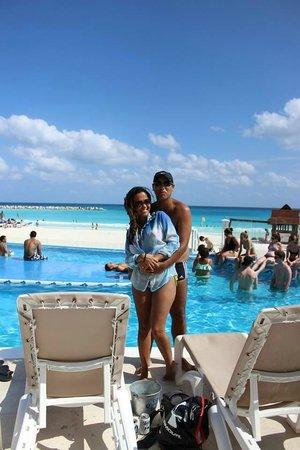 Krystal Cancun: Piscina