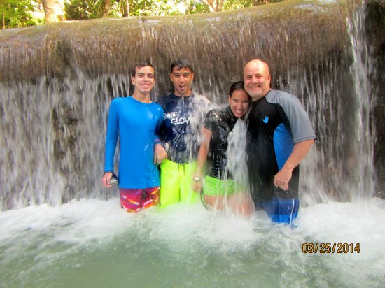 Dunn's River Falls and Park: Almost at the top!!