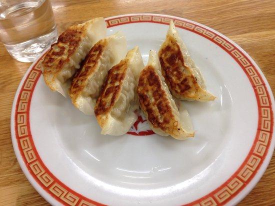 Kameido Gyoza Honten: 餃子一皿250円