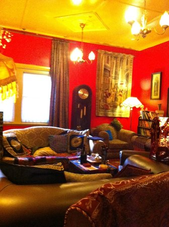 Radio Springs Hotel: The Red Room