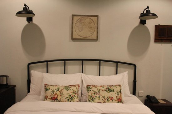 Brown Feather Hotel: Bedroom