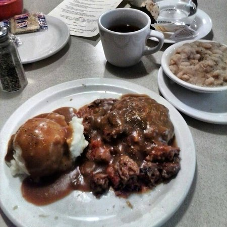 Hyde's Restaurant: Swiss steak and mashed, with beans.  Meat was a little tough, but when isnt swiss steak tough?
