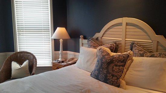 Snug Harbor Inn : San Nicolas Room
