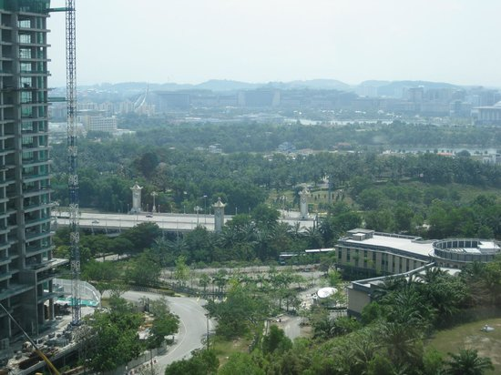 Shaftsbury Serviced Residences : Overlook Putrajaya from the room