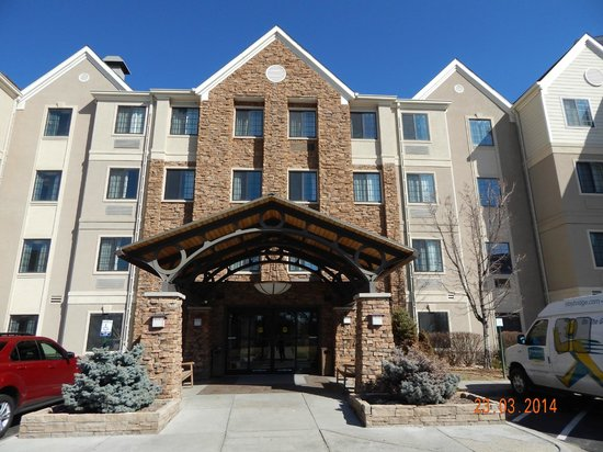 Staybridge Suites Denver-Cherry Creek: Front view