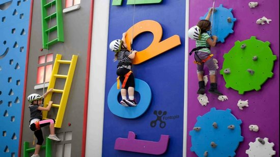 Sender One Climbing: Climb ladders, letters and gear heads that spin